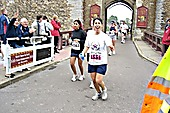 Luciana finishes the marathon in Cardiff in support of the Music Fund